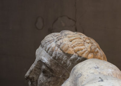 Paris: musée Bourdelle, atelier, statue, fragment, masculin, regard masculin.