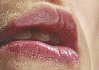 Bouche: autoportrait, cavité, lèvres, goutte, buée, vapeur d'eau, salive, désir, plaisir, féminin, féminité, femme, érotisme.